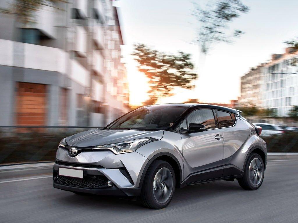 Toyota выводит на рынок новый компактный кроссовер IZOA