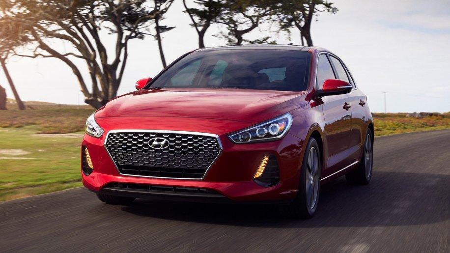 Hyundai уже летом 2018 года покажет обновлённый седан Elantra