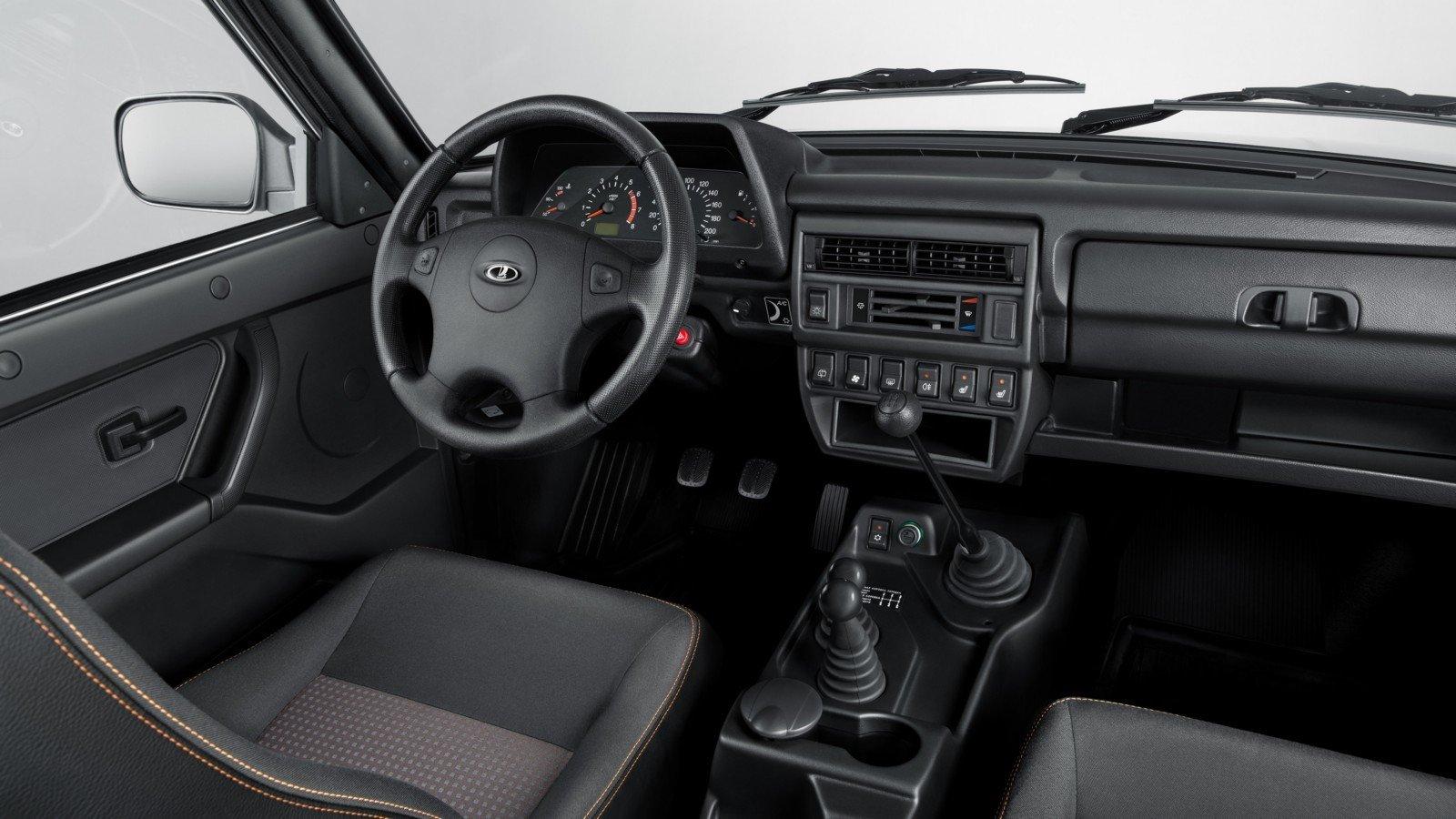 Вседорожный автомобиль Лада 4x4 отправился покорять авторынок Туниса
