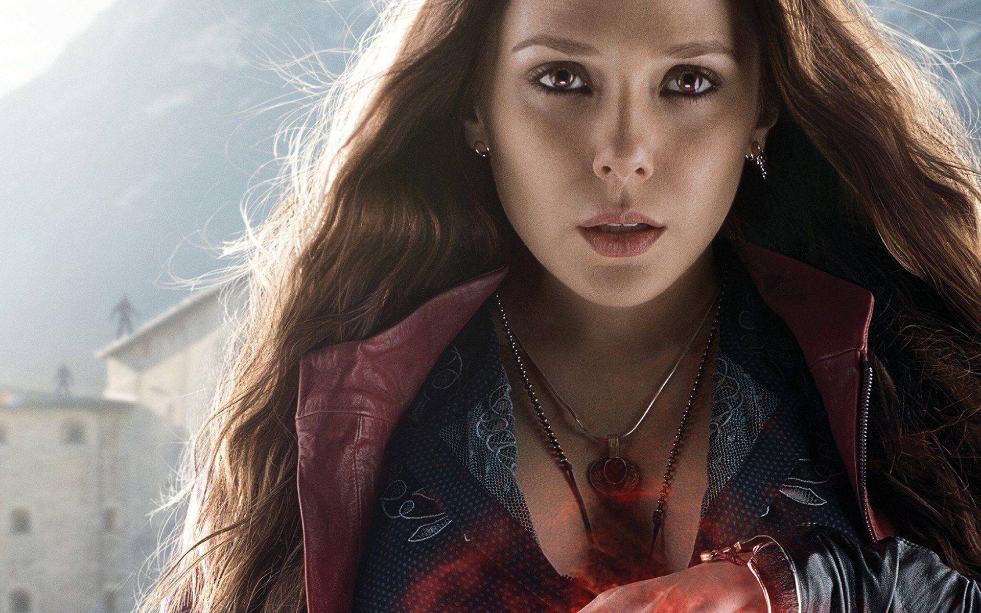Исполнительница роли Алой ведьмы недовольна глубоким вырезом нагруди уеегероини