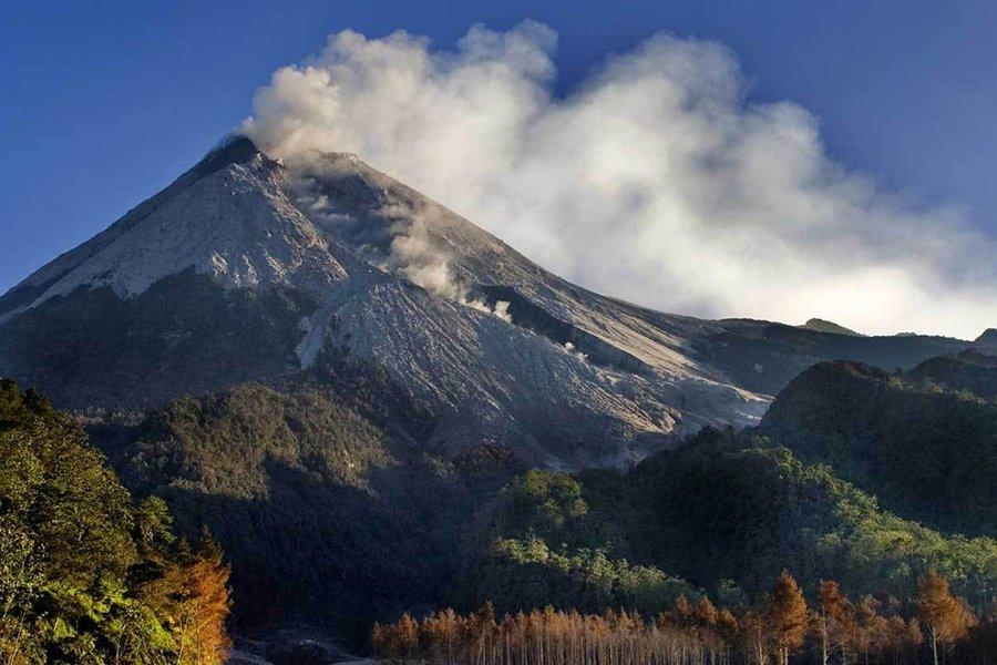 Извержение вулкана случилось наострове Ява