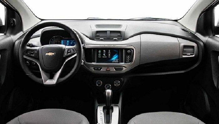 Обновлённый компактвэн Chevrolet Spin покажут всередине мая
