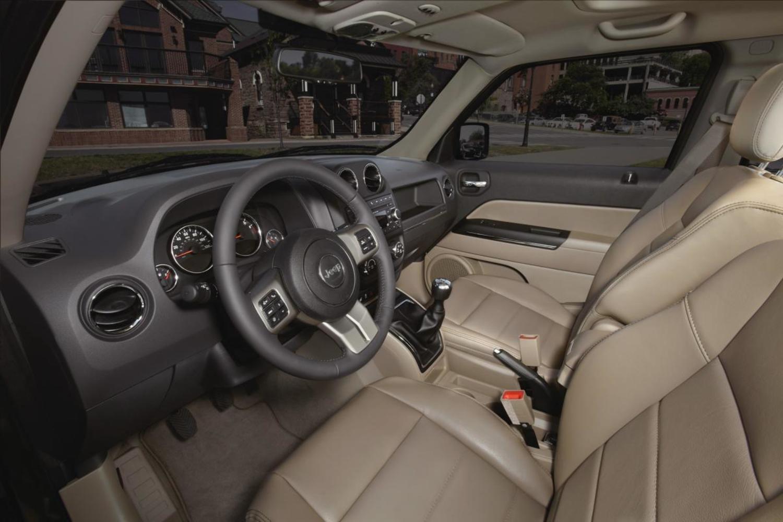 Jeep отзывает 300 000 авто Liberty