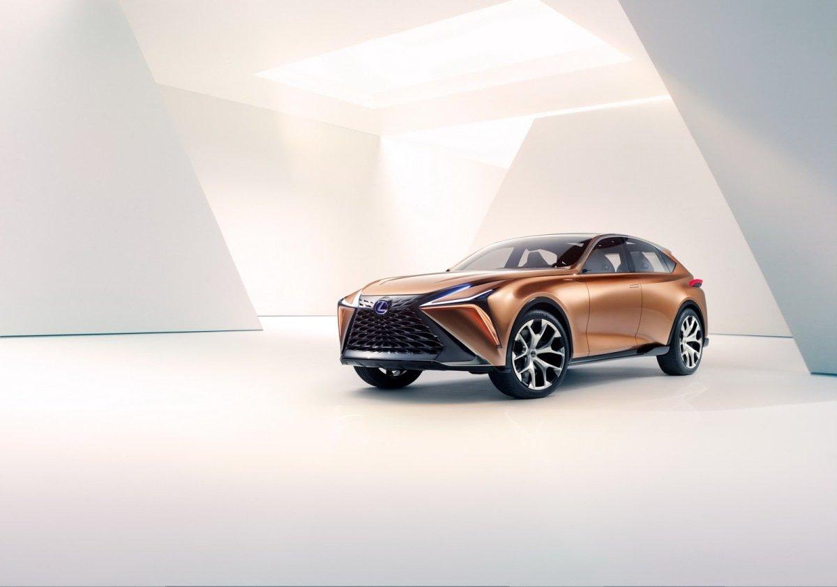 Новый флагманский кроссовер Lexus получит название LQ