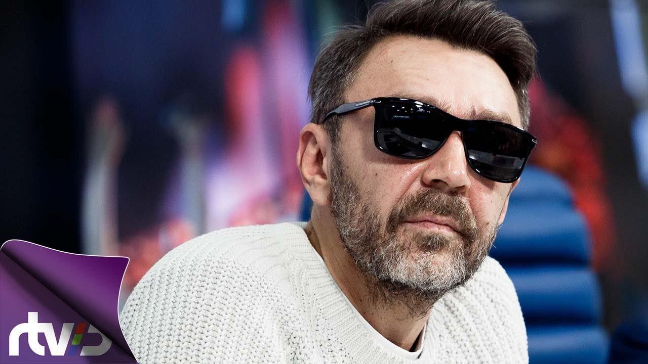 Сергей Шнуров открывает художественную выставку вСамаре