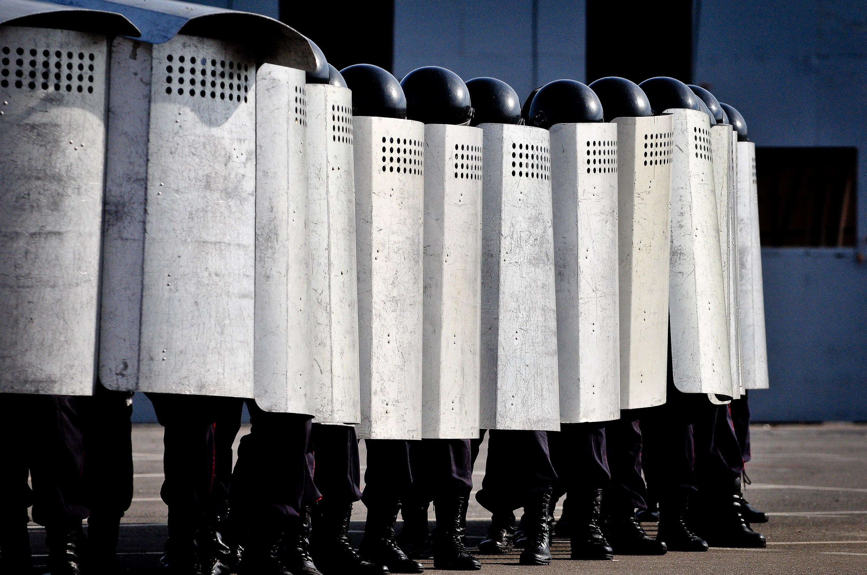Подразделения полиции и Росгвардии получат электрошоковый щит