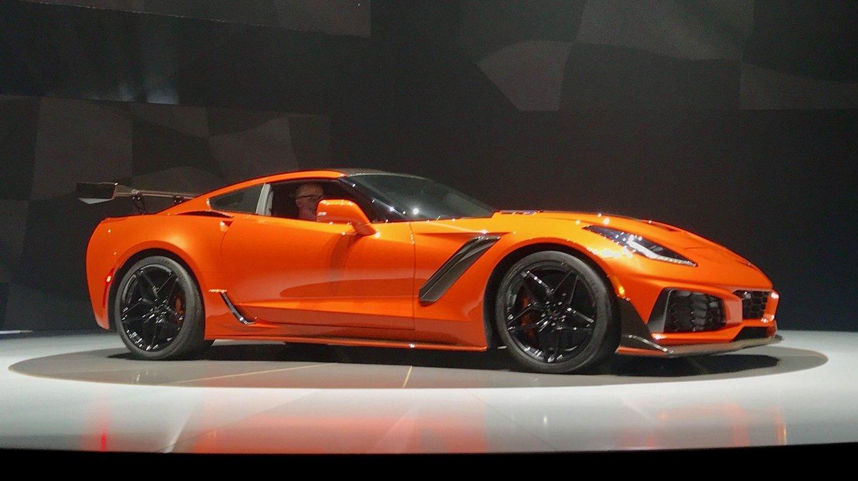 Новый тип Шевроле Corvette получит гибридную силовую установку