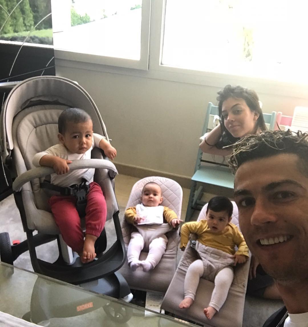 джоли и питт и их дети фото 2018