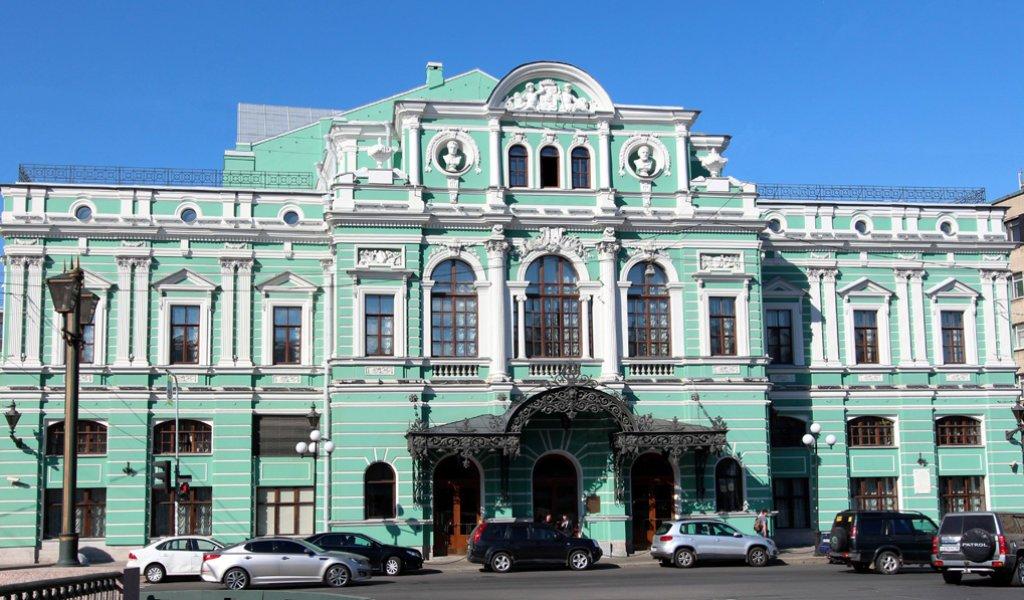 МВД заподозрило мошенничество при реконструкции огромного драматического театра