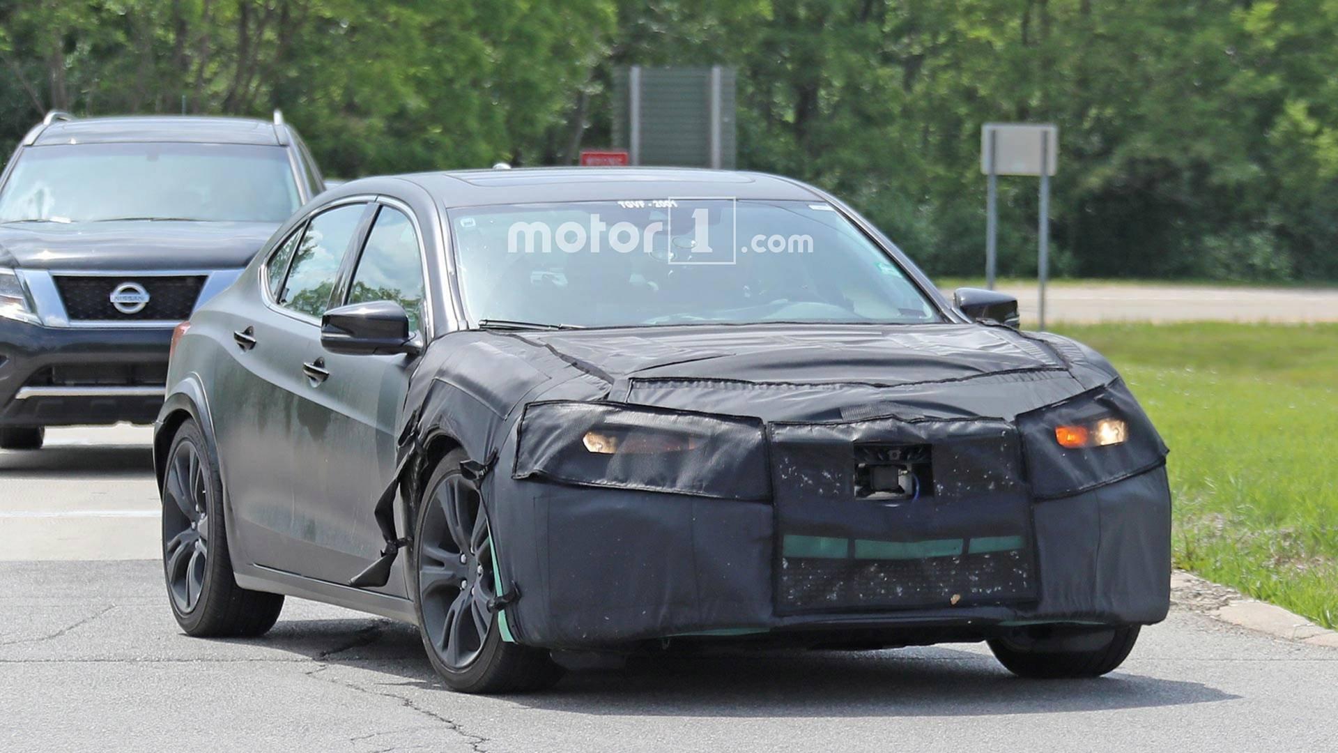В сеть выложили первые снимки нового Acura TLX