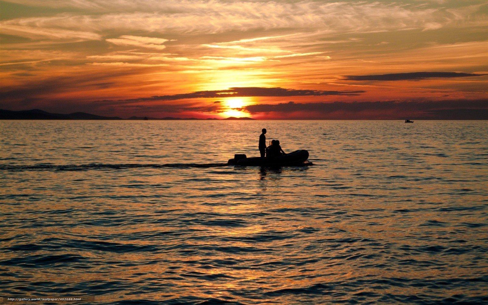 Жителя Сахалина задержали при попытке уплыть насамодельной лодке вЯпонию