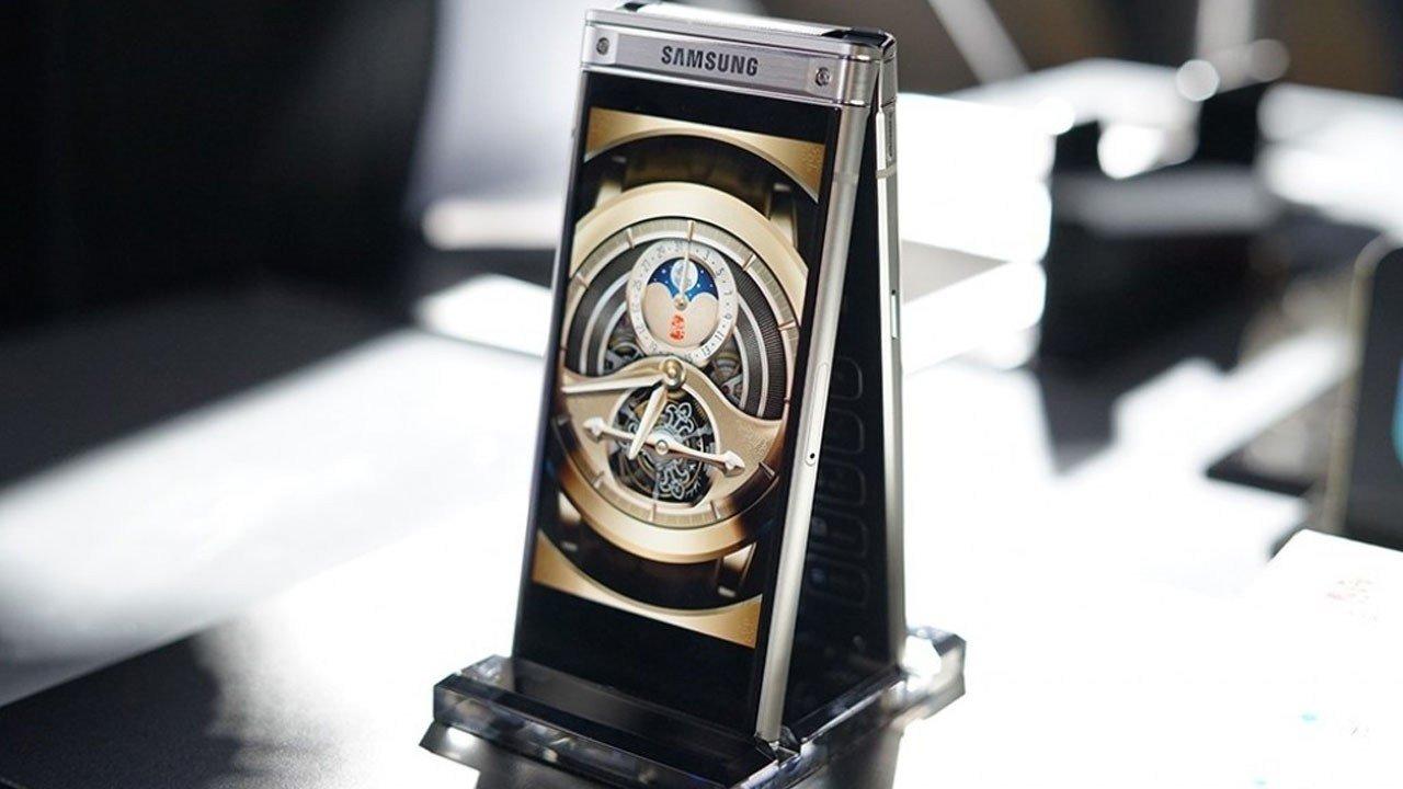 «Раскладушка» W2019 от Самсунг получит двойную камеру ифлагманские характеристики
