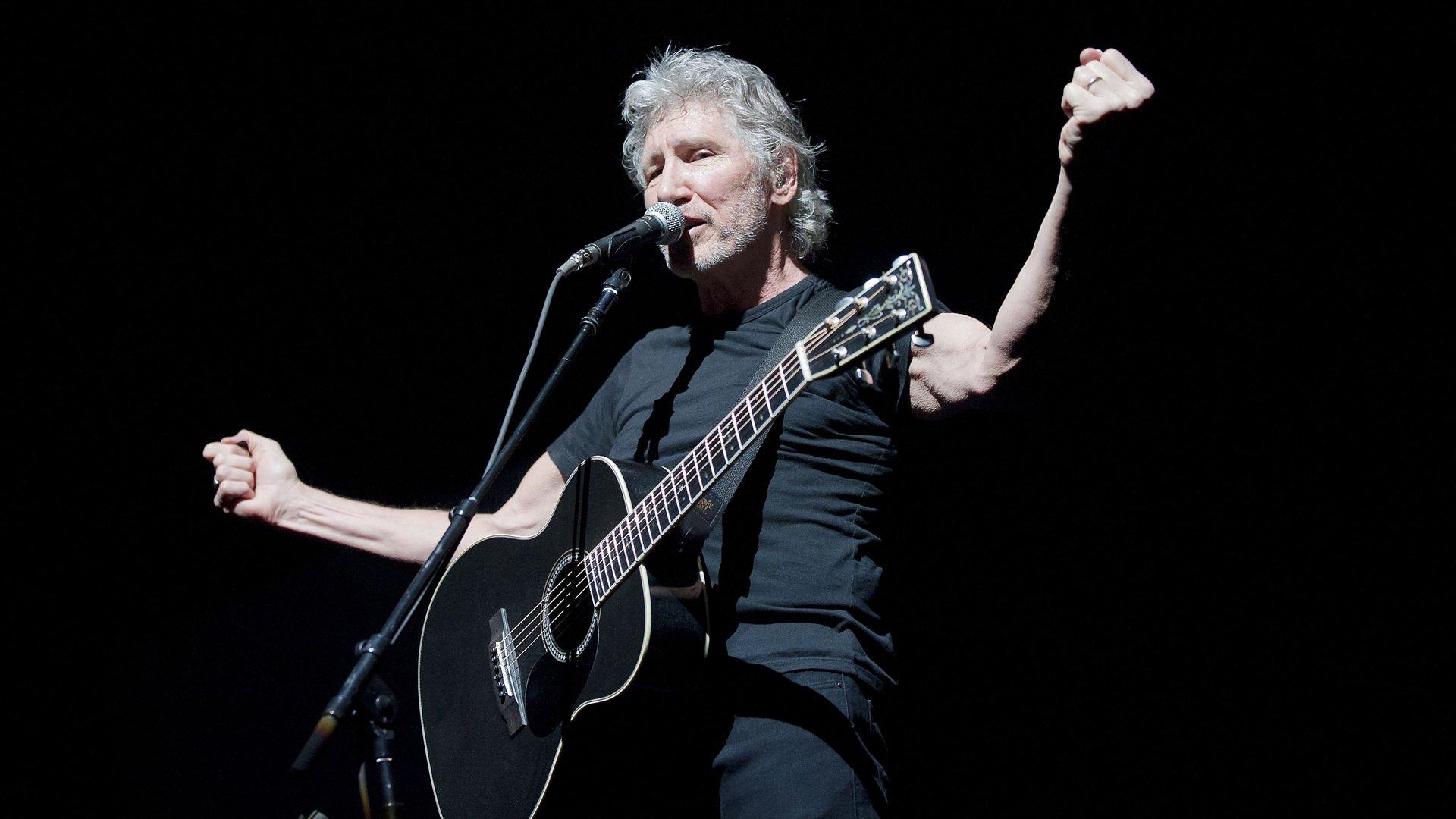 Сооснователь Pink Floyd раскритиковал политику Трампа наконцерте встолице Англии