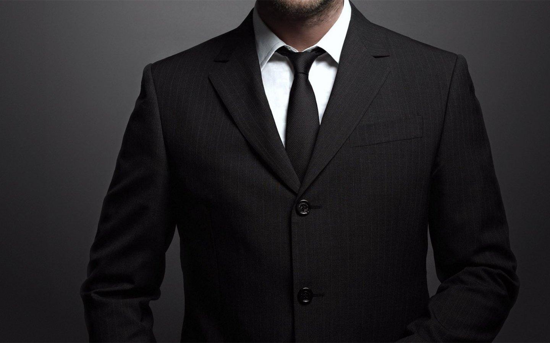 Ученые призвали отказаться отдресс-кода из-за удушающих галстуков