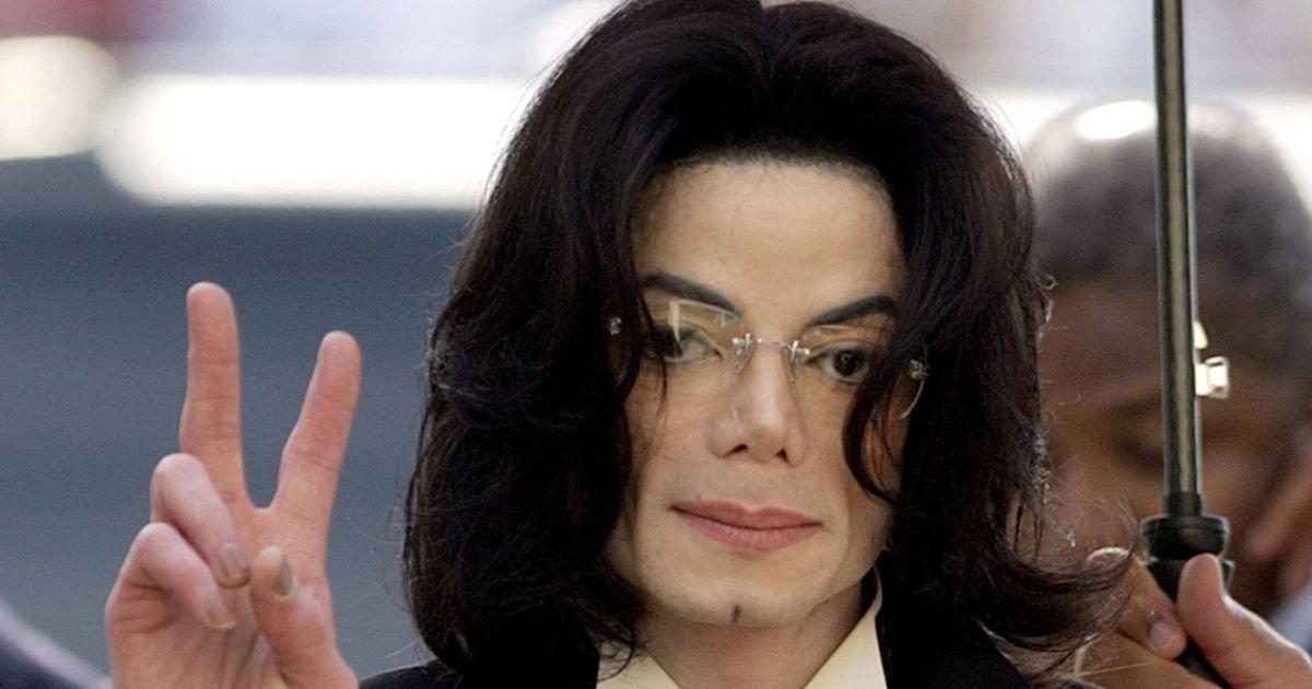 Доктор объявил, что отец кастрировал Майкла Джексона вдетстве