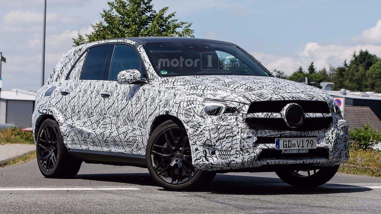 Benz GLE иGLS обновленного поколения получили новые фары