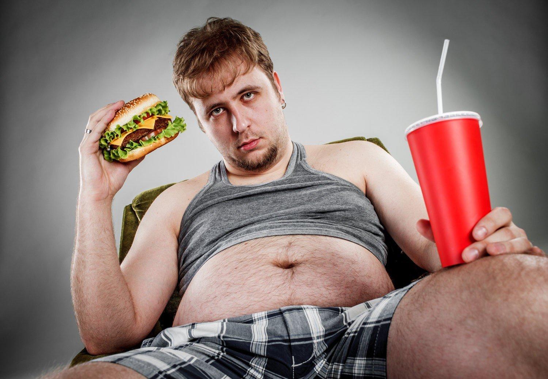 Картинка толстого человека огородник обустраивает