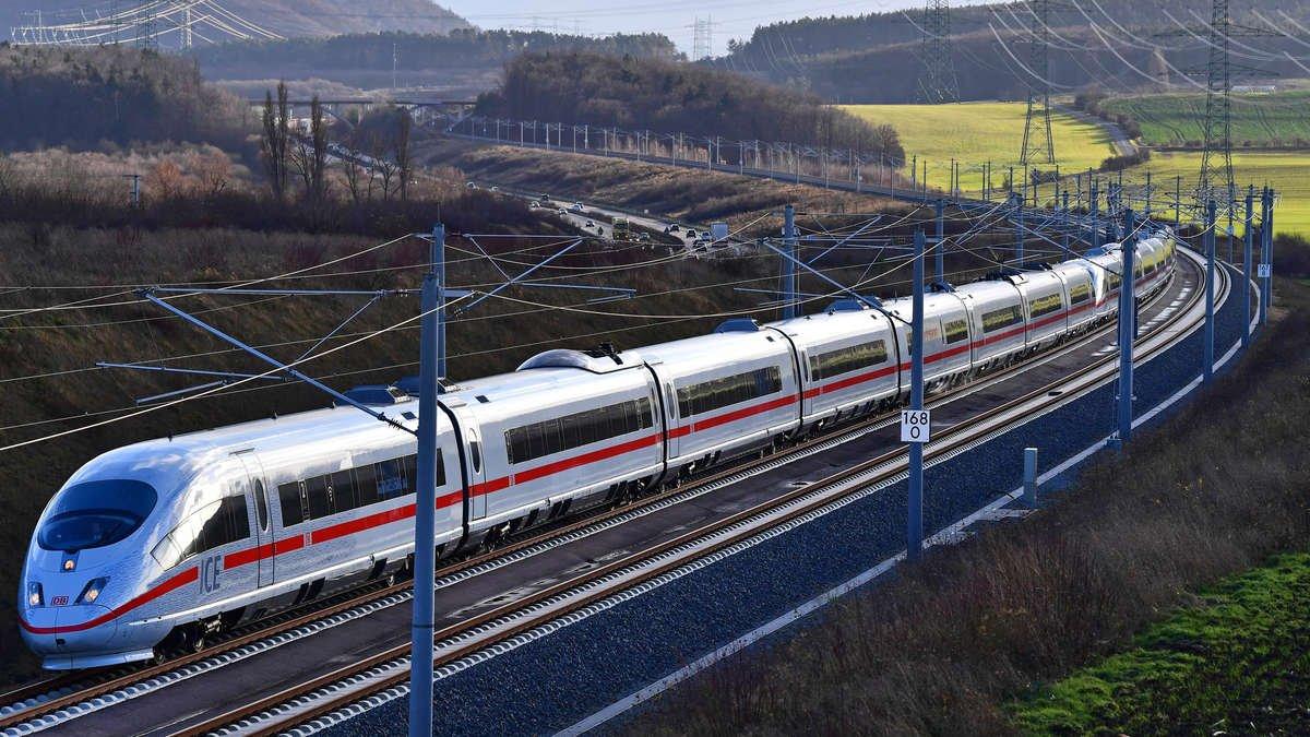 ВГермании из-за подозрительного вещества остановили поезд