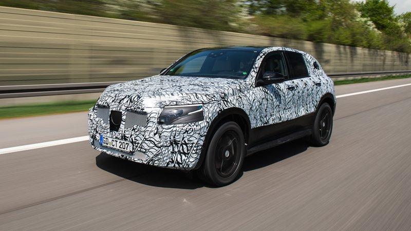 Компания Mercedes показала навидео тестирования электрокараEQ C