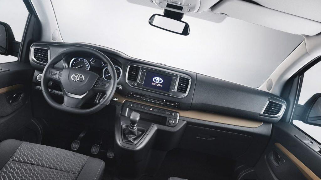 ВЕС прекращаются продажи компактвэна Тойота Verso