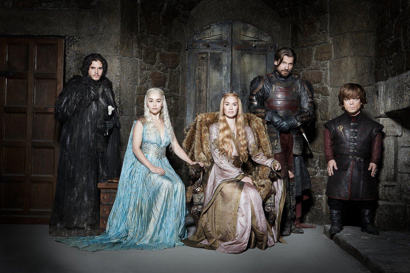 Создатели «Игры престолов» прокомментировали отношения Джона Сноу иДейенерис