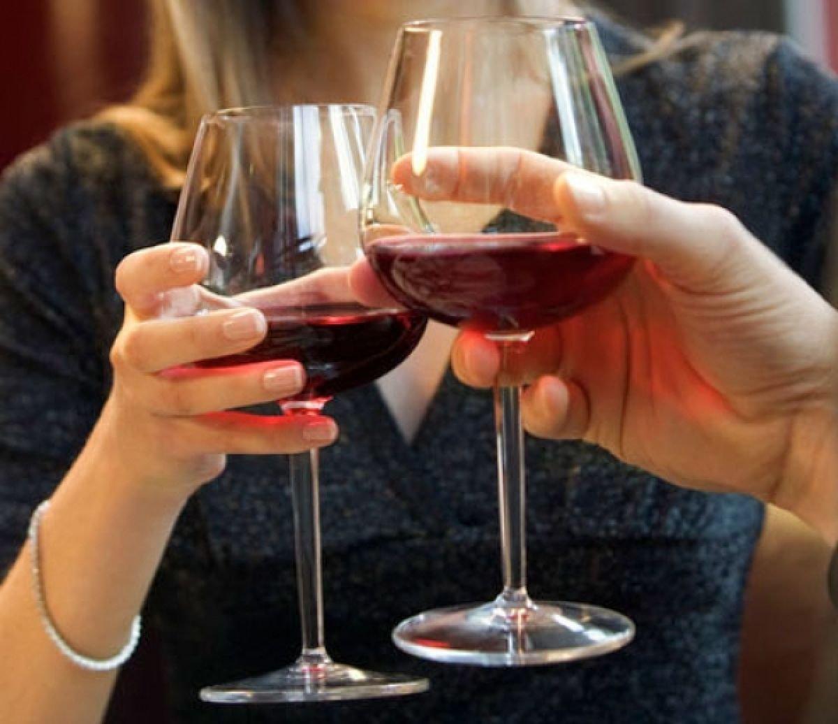 Спирт уменьшает риск смерти отсердечного приступа— ученые