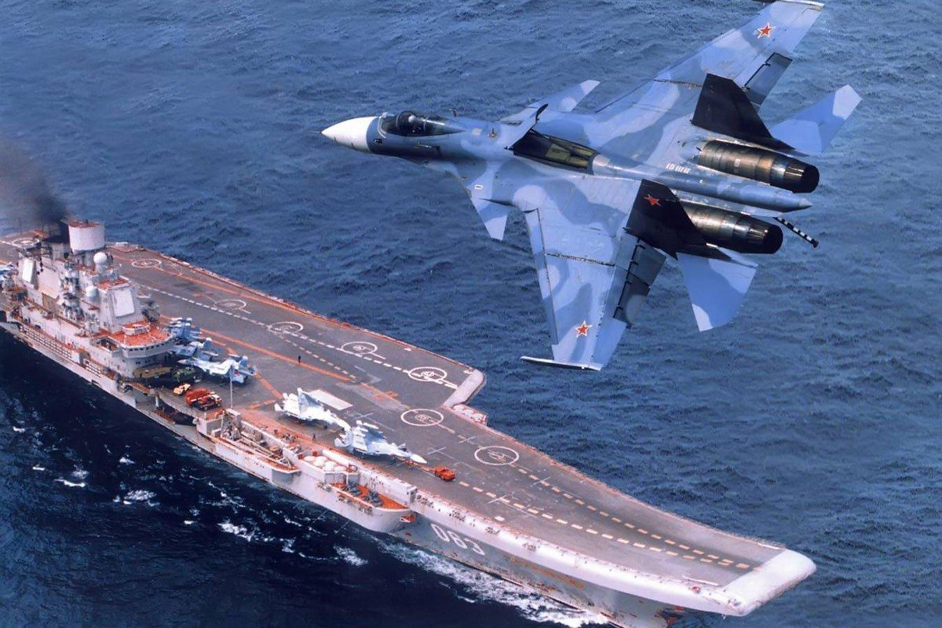 Американские СМИ включили «Адмирала Кузнецова» вчисло худших авианосцев вмире