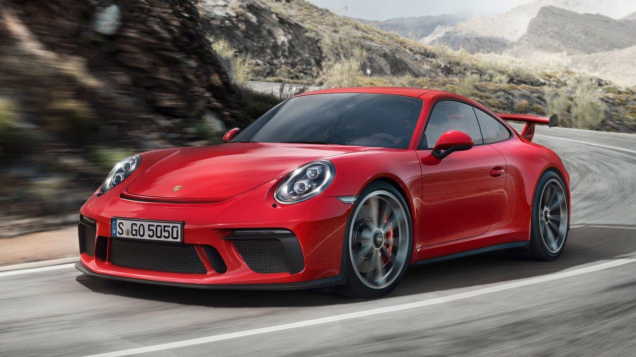 Порш 911 признали лучшим автомобилем года