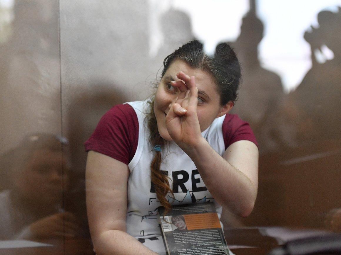 Суд продлил сроки домашнего ареста Павликовой иДубовик