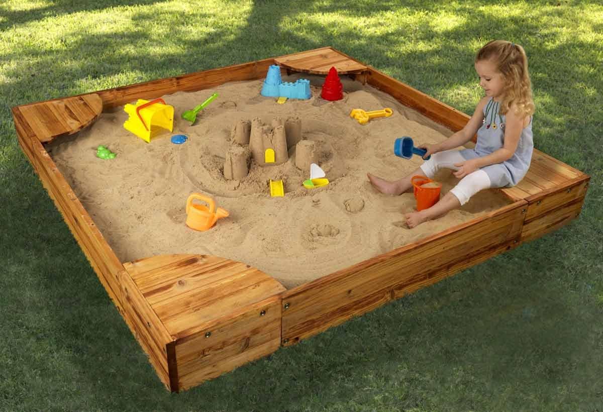 Песочница на даче картинка