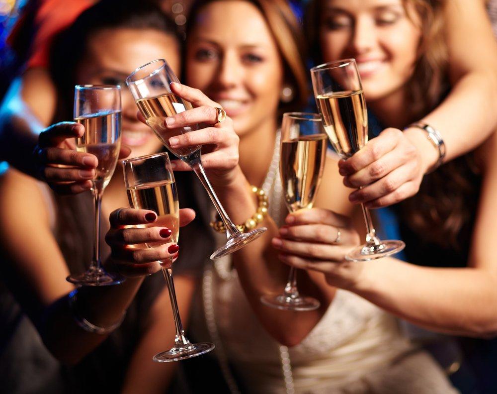 картинка подруги пьют после появления