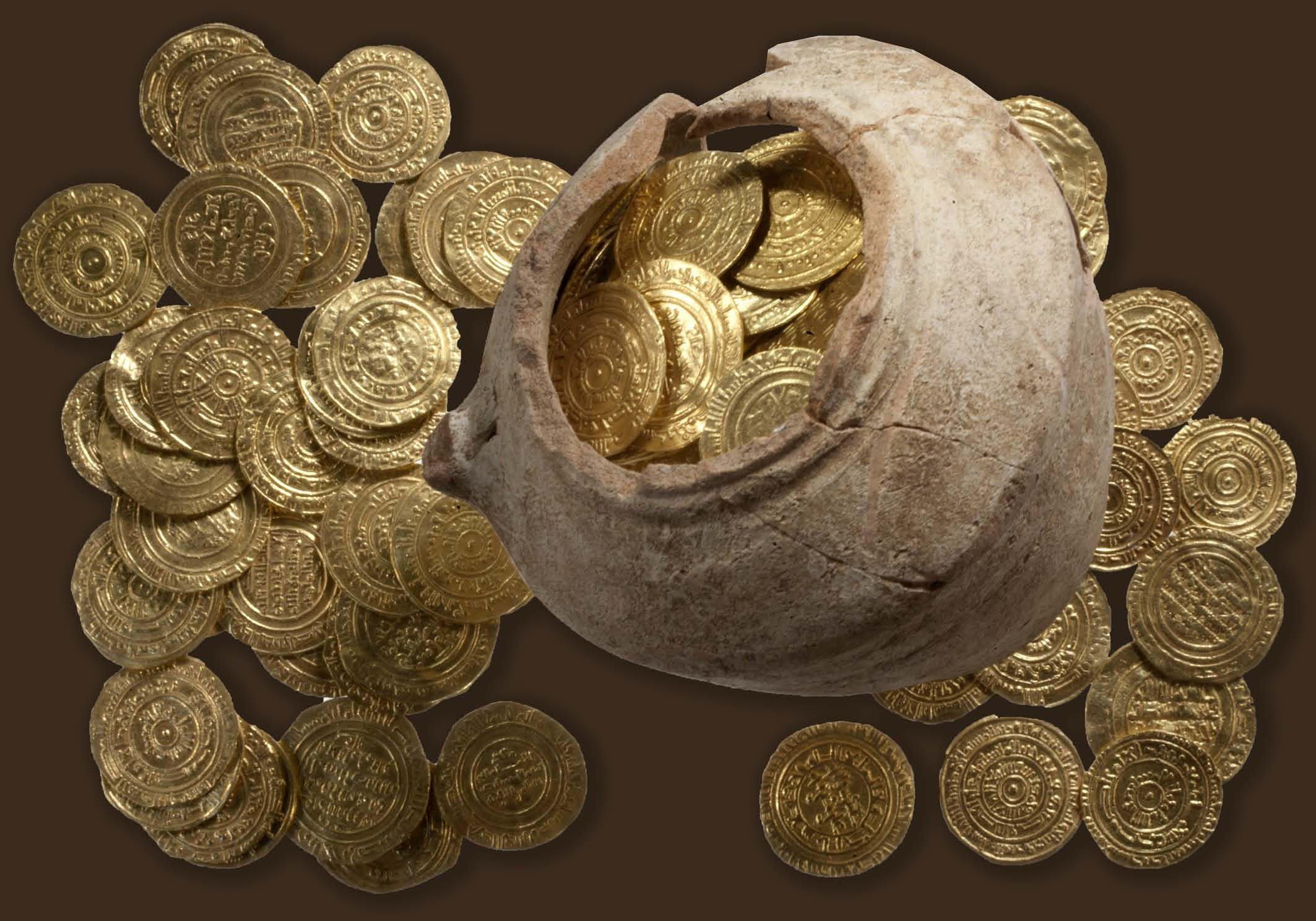 многочисленным пластическим кувшин с золотыми монетами фото рады если