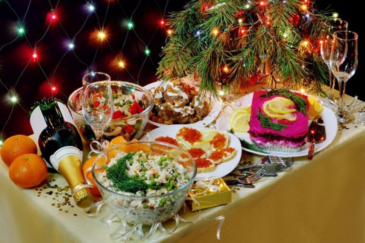 света картинки новогоднего домашнего стола с едой ценилась все времена