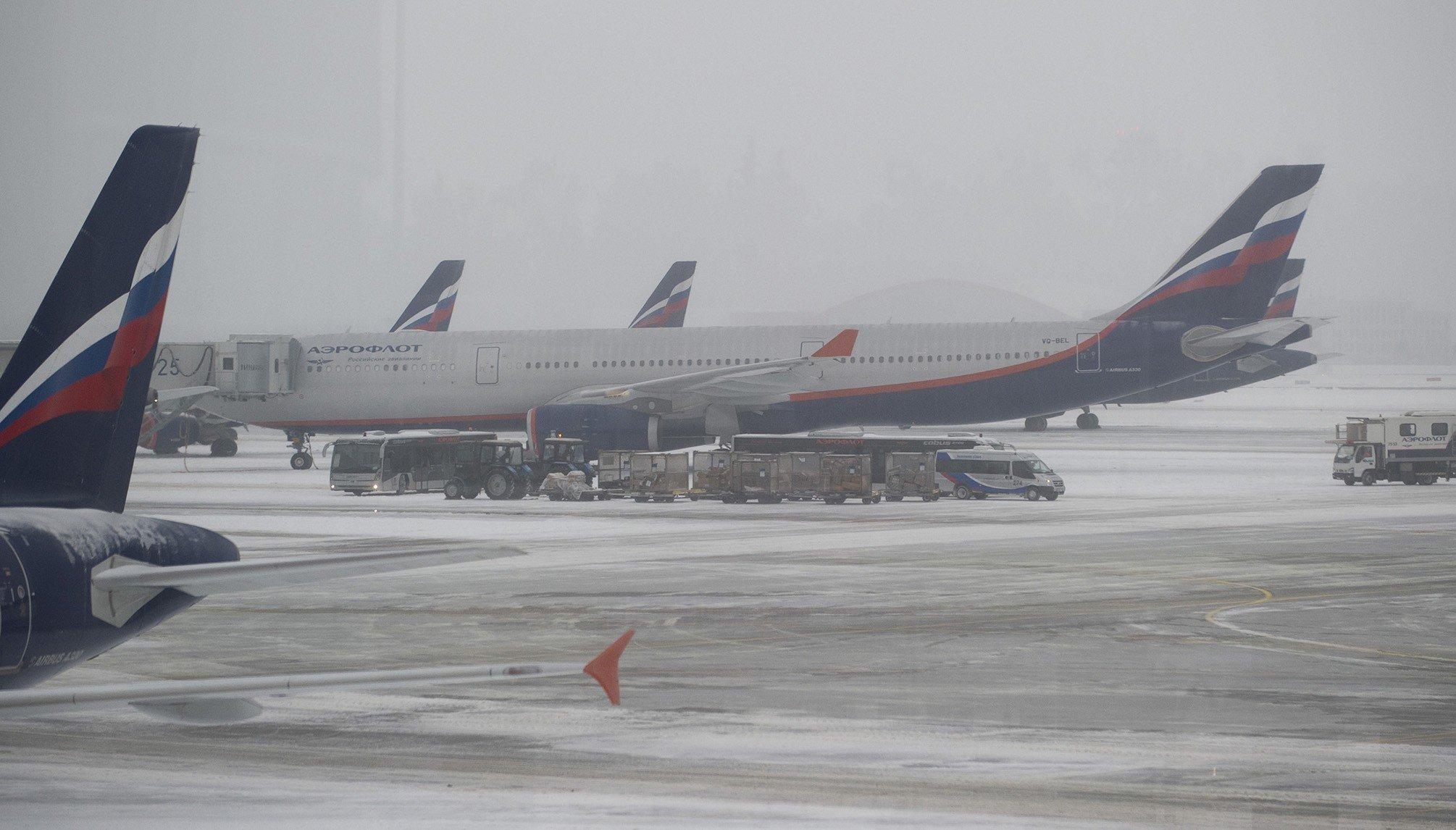 Неменее 40 рейсов задержали и10 отменили в столичных аэропортах