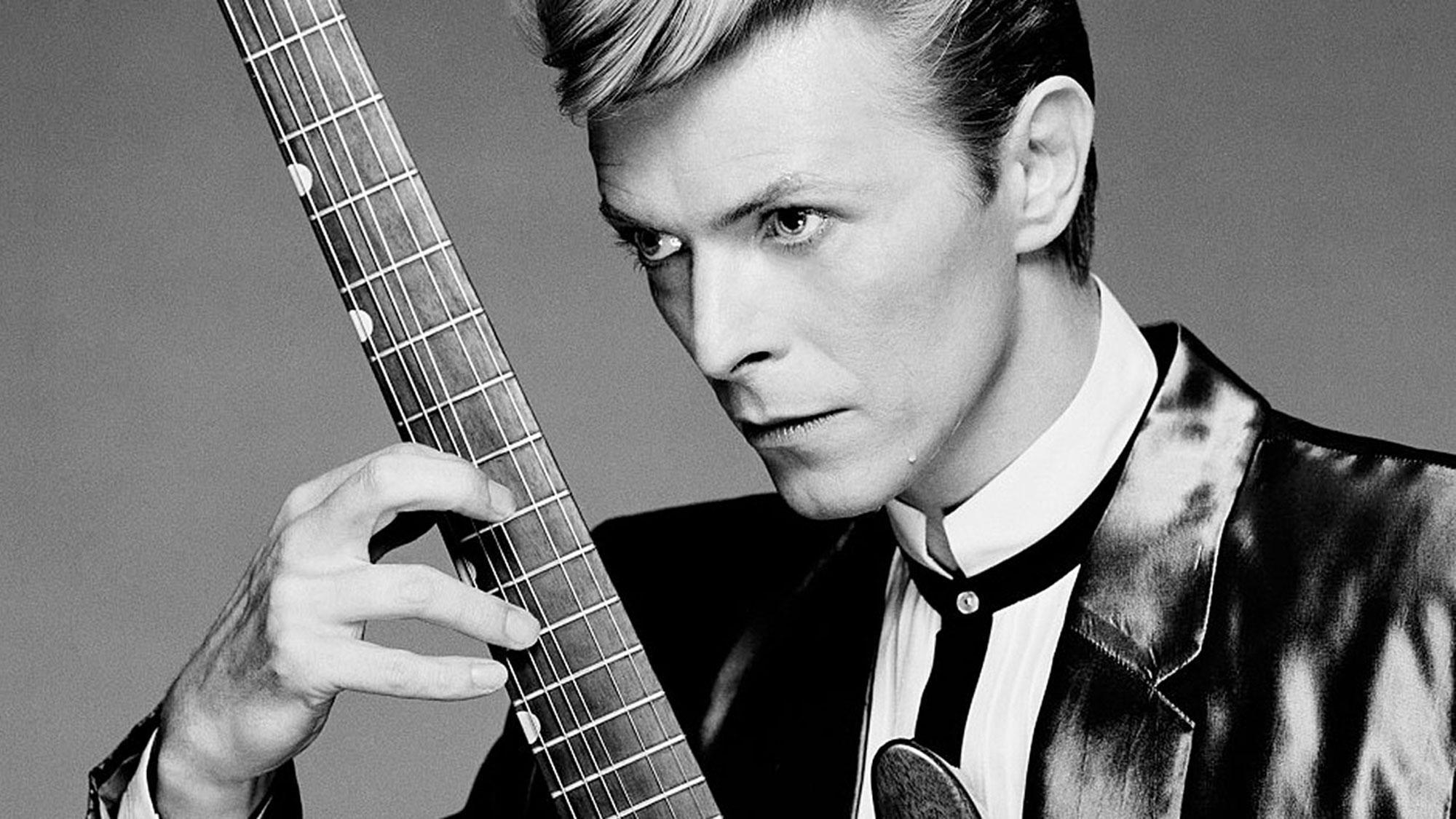 Вышло приложение David Bowie is, рассказывающее ожизни итворчестве Дэвида Боуи
