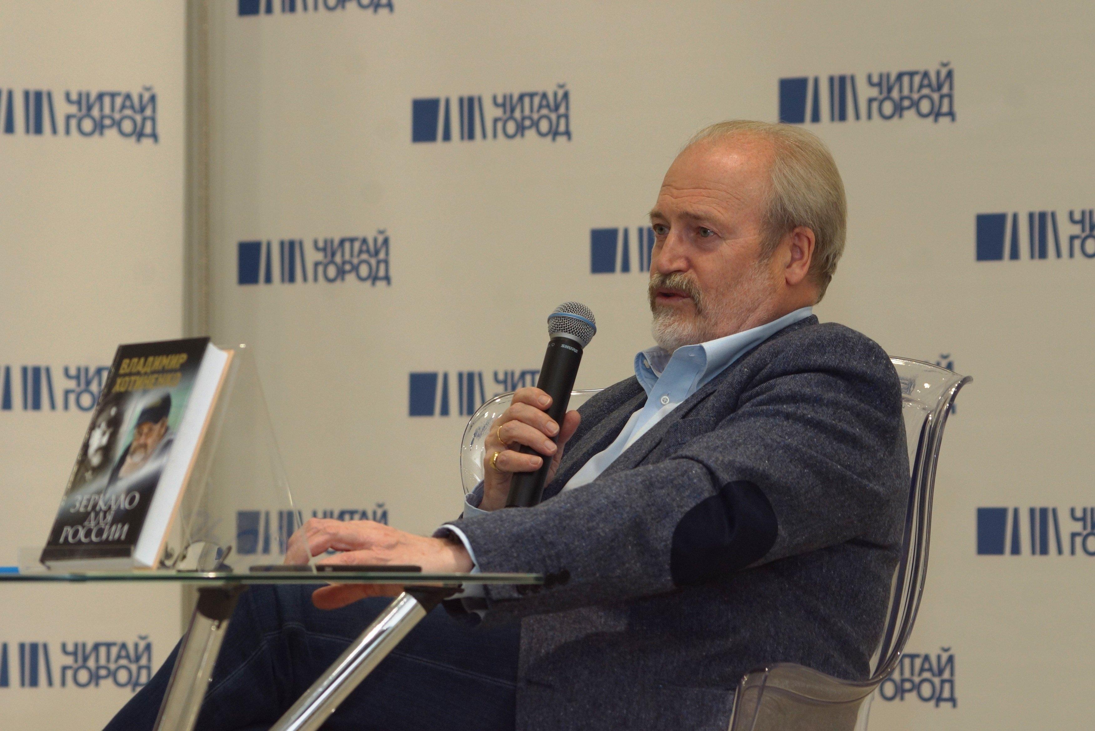 Кинорежиссер Хотиненко предложил сделать залы только для русского кино
