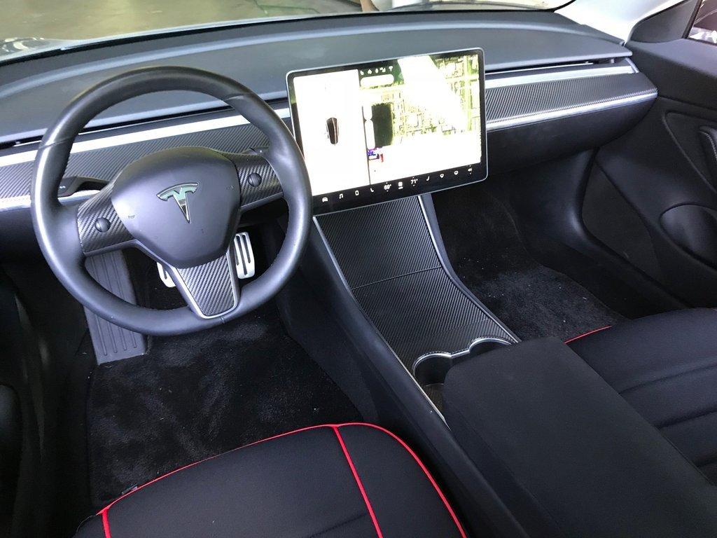 ВШвеции могут запретить продажи электрокаров Tesla