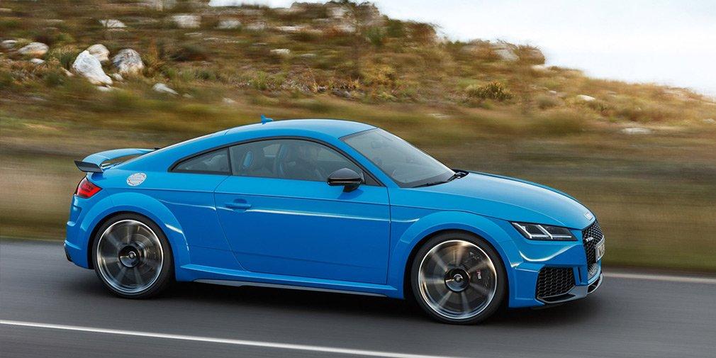 Ауди обновила внешность купе иродстеруTT RS