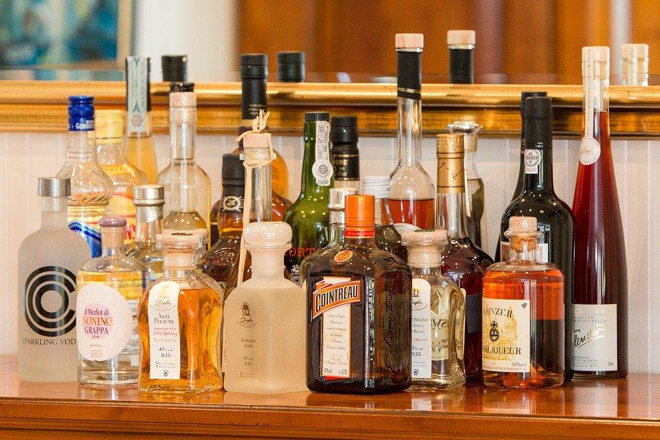 медведя фото с бутылками алкоголя крупные, простые