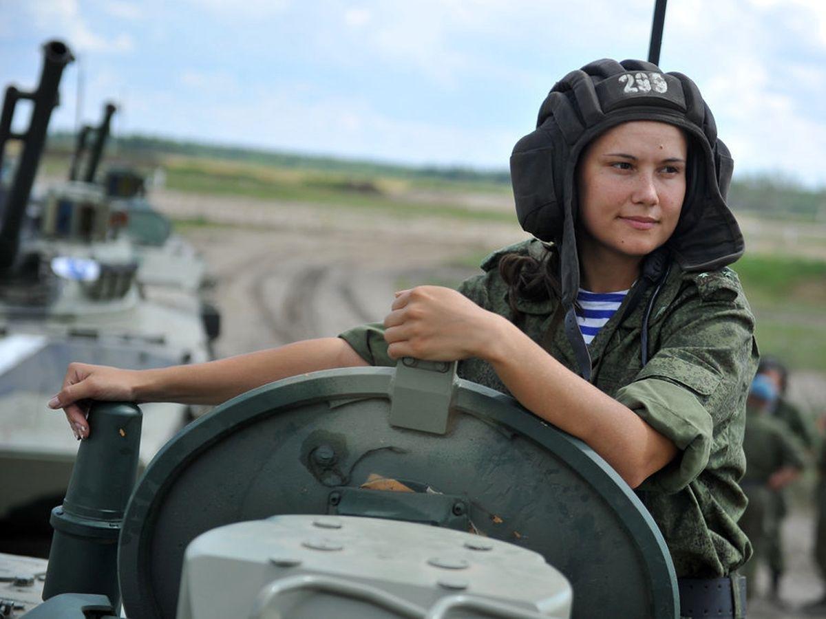 фото женщин на танке - 6