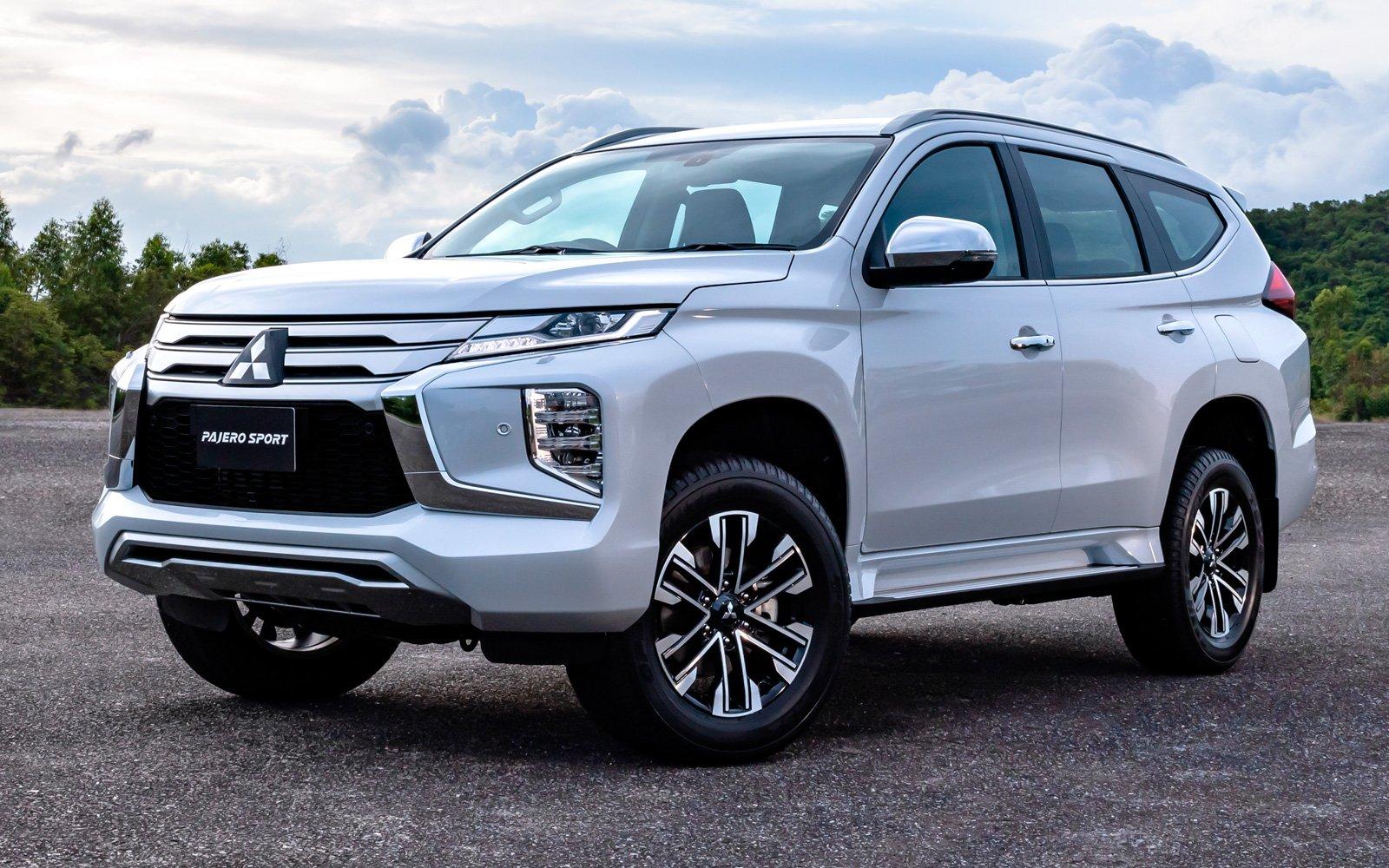 2020 Mitsubishi Pajero Images