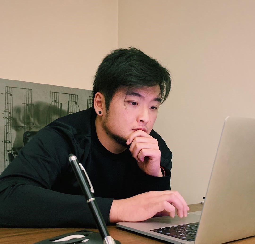 Анатолий Цой хочет, чтобы его будущая жена не работала thumbnail