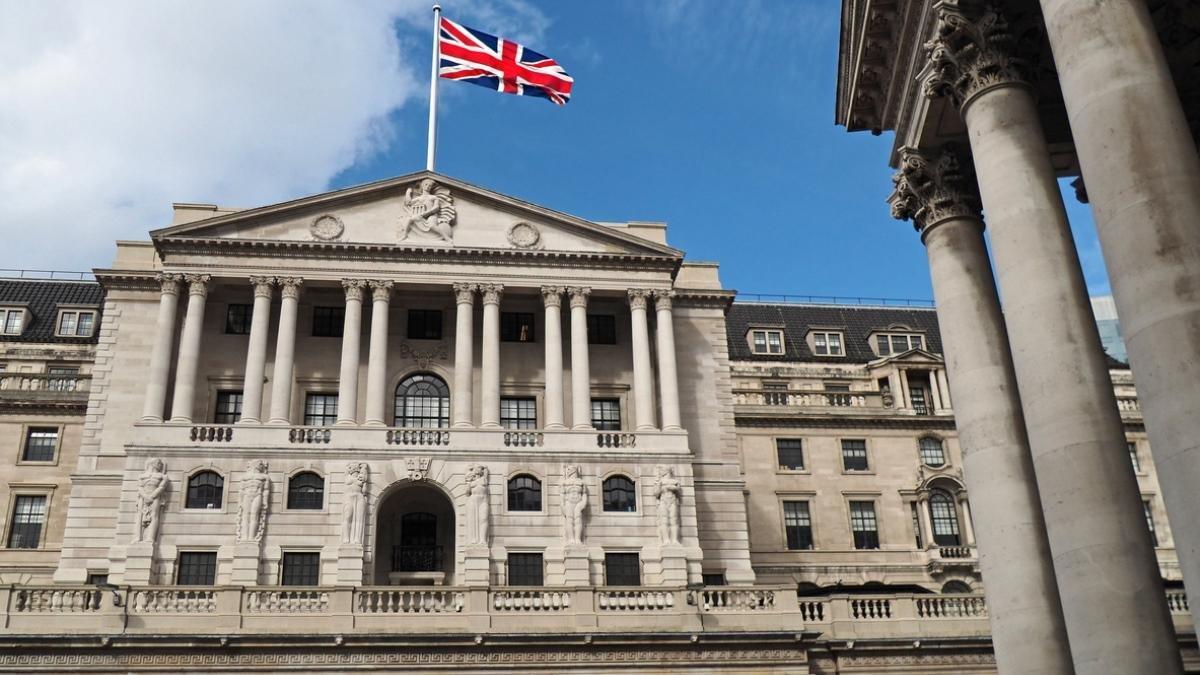 Reuters: Минфин Великобритании планирует увеличить налог для богатых