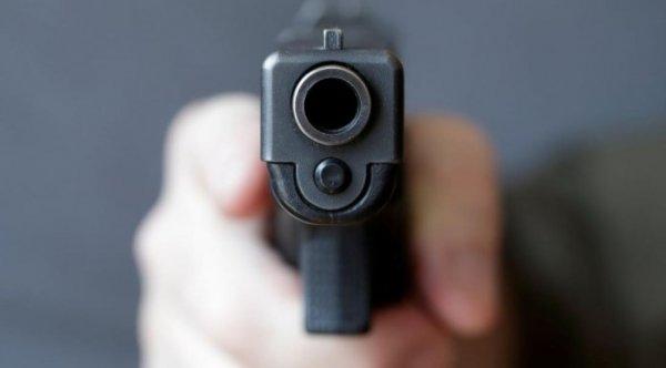 В Тюменской области мужчина устроил стрельбу в деревне
