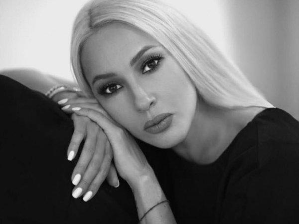 Лера Кудрявцева выставила отфотошопленное до неузнаваемости фото