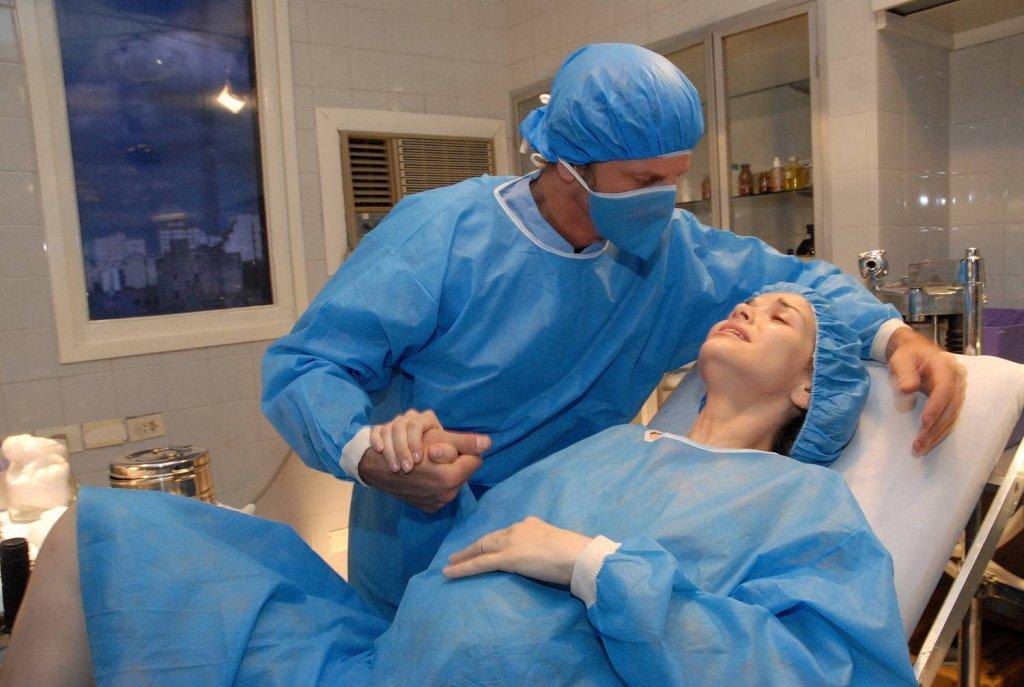 фото как девушки стесняются врачей чтобы он сделал укол